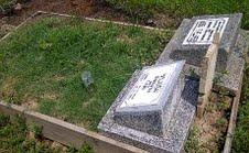 kuburan aneh